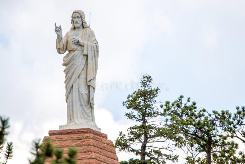 Chapelle sur la pierre Chruch - statue de roche de Jésus images libres de droits