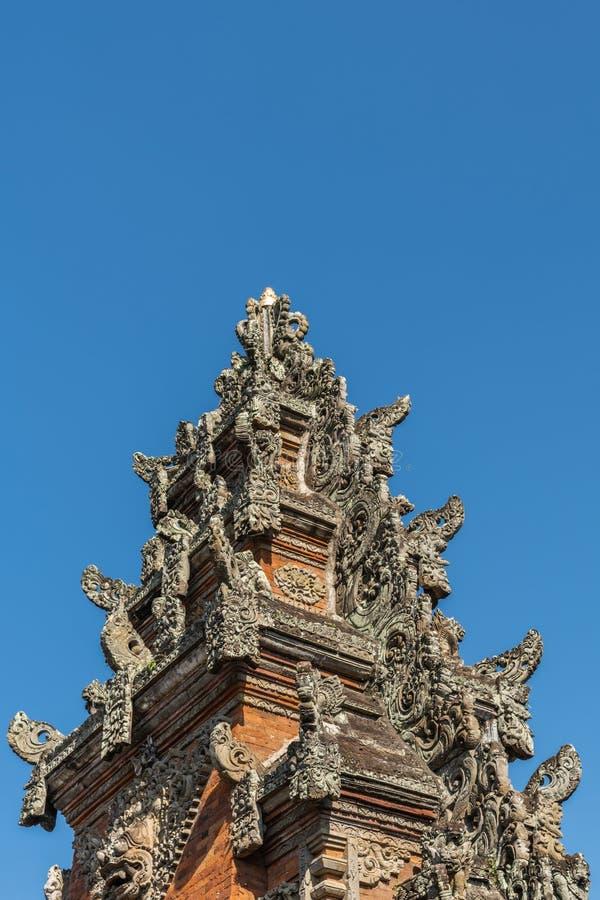 Chapitel de Kori Agung en el templo de Batuan, Ubud, Bali Indonesia imagen de archivo libre de regalías