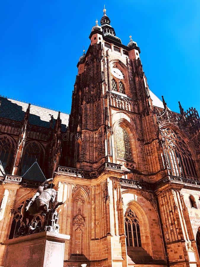 Chapiteles del ` s del St Vitus Cathedral, Praga fotografía de archivo libre de regalías