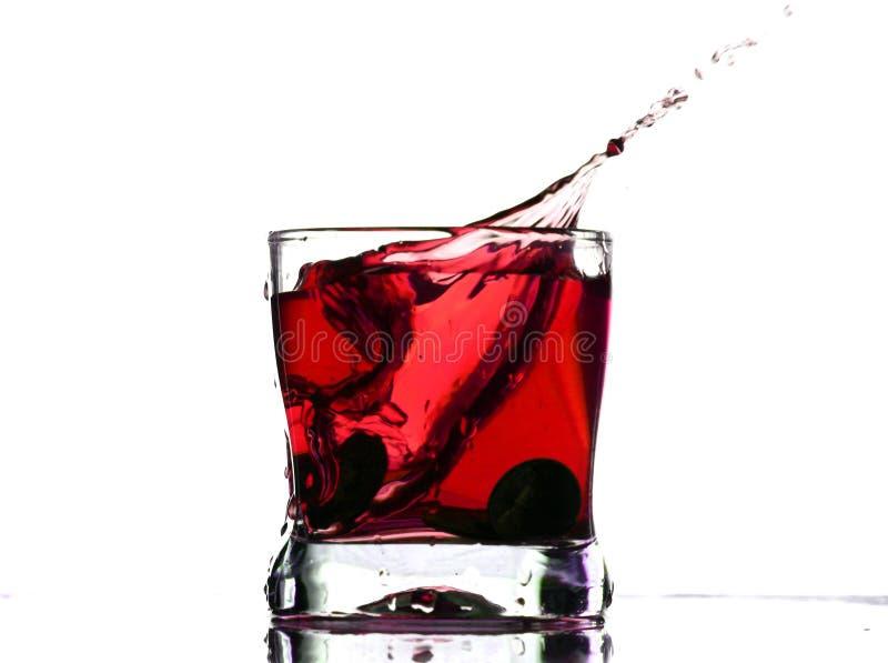 Chapoteo de la bebida de Coctail fotografía de archivo