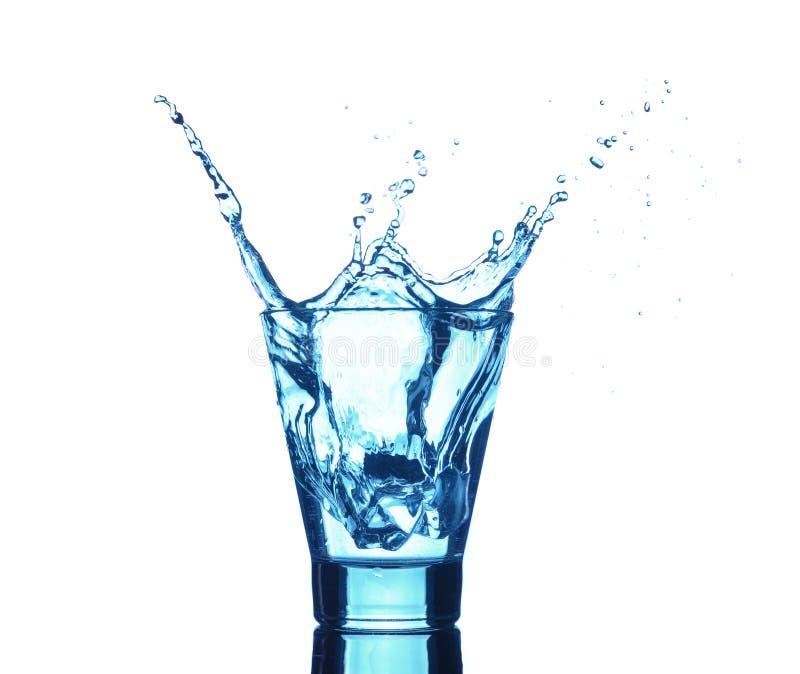 Chapoteo del agua en vidrios imágenes de archivo libres de regalías