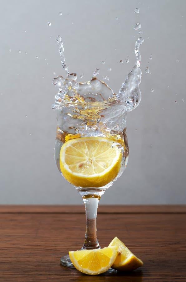 Chapoteo del limón imágenes de archivo libres de regalías