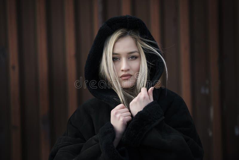Chaqueta negra senora