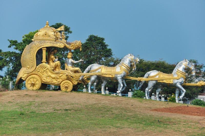 Char d'or Krishna près de temple de Murdeshwar en Inde photo stock