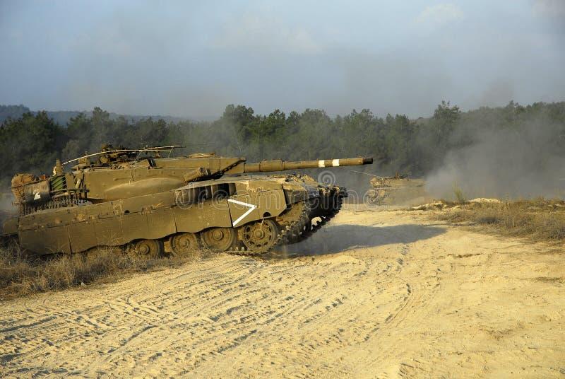 Char de bataille de Merkava dans la formation photo stock