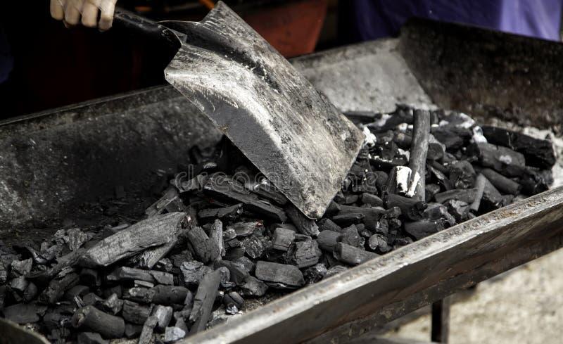 Charbons de carbone images stock