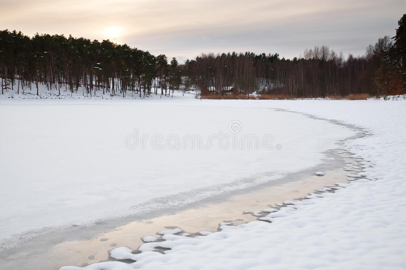 Charca congelada imagenes de archivo