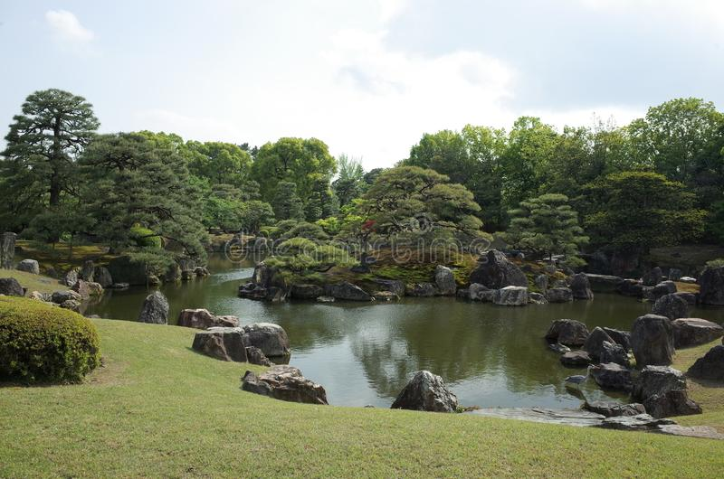 Charca del castillo de Nijo-jo fotos de archivo