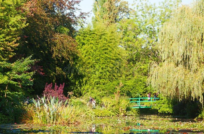 Charca del lirio del agua de Monet en Giverny foto de archivo