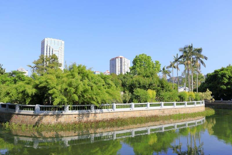 Charca del parque de zhongshan, adobe rgb fotografía de archivo libre de regalías