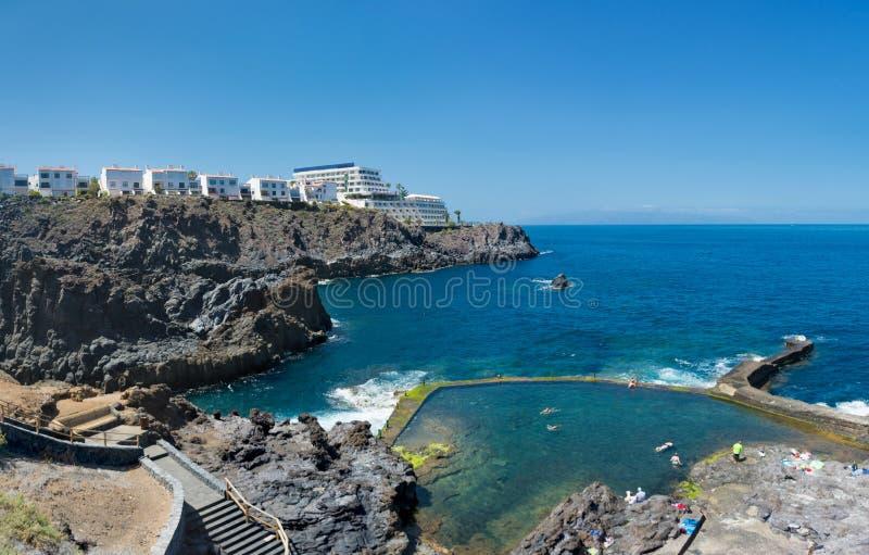 Charco del Tancon - bacia natural perto de Los Gigantes em Puerto de foto de stock royalty free