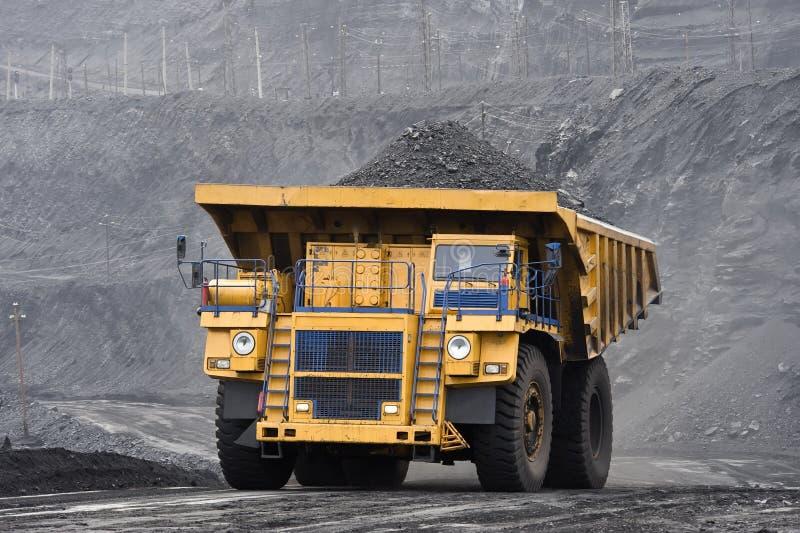 Charge de charbon images stock