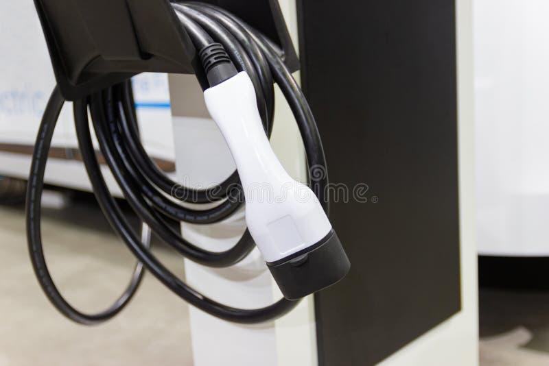 Charger la batterie pour les nouvelles innovations des véhicules à moteur de voiture image libre de droits