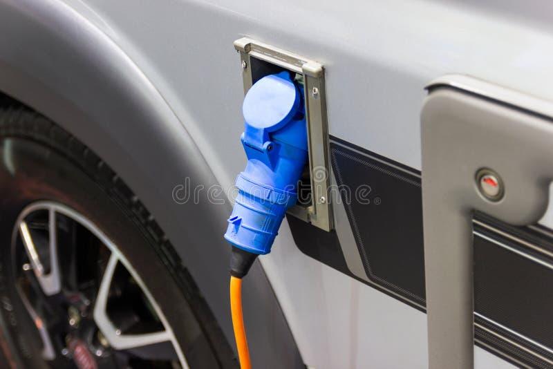 Charger la batterie pour les nouvelles innovations des véhicules à moteur de voiture photo libre de droits