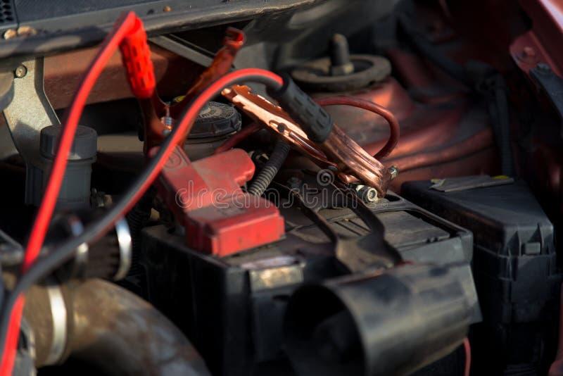 Chargeur de batterie de voiture d'accumulateur photos libres de droits
