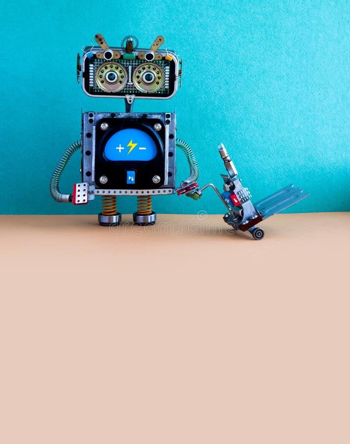 Chargeur de robot avec le cric actionné de palette Mécanisme créatif de chariot de chariot élévateur de conception La livraison l images libres de droits