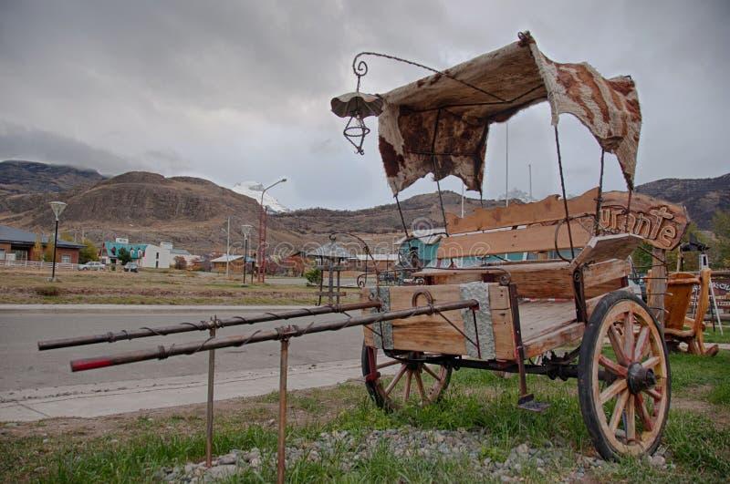Chariot antique en EL Chalten près de Fitz Roy, Argentine photo libre de droits