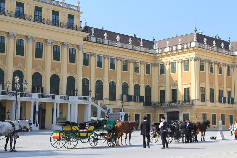 Chariot au schoenbrunn photo stock