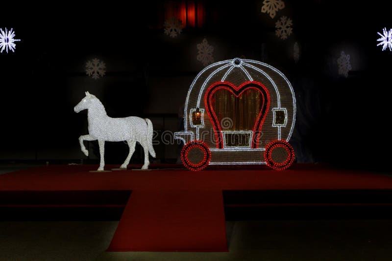 Chariot de Cendrillon avec le cheval photo stock