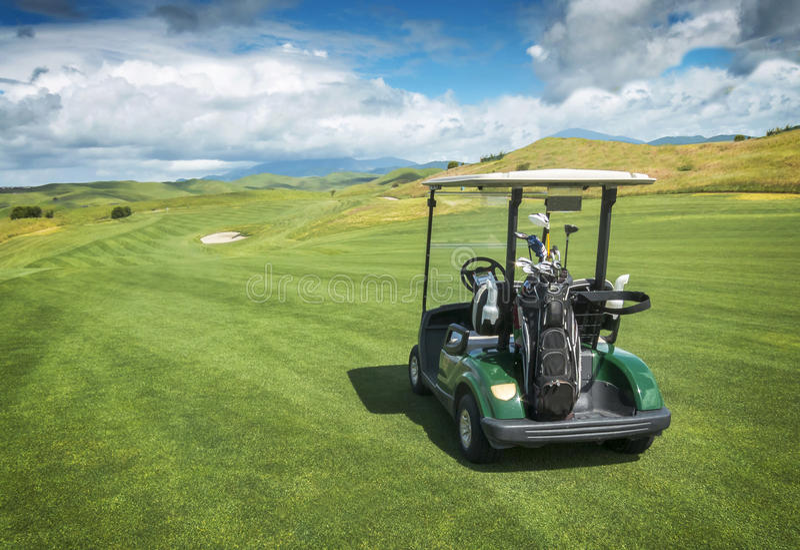 Chariot de golf photographie stock libre de droits