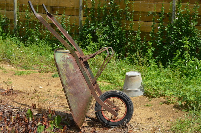 Chariot de jardin images stock