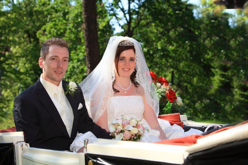 Chariot de mariage images stock