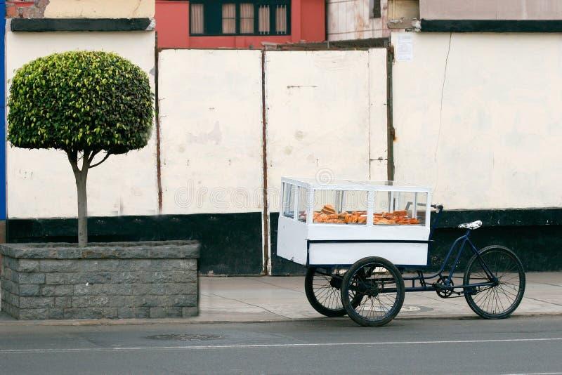 Chariot de nourriture image stock