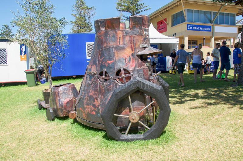 Chariot de patchwork en métal : Sculptures par la mer, Australie occidentale photo stock