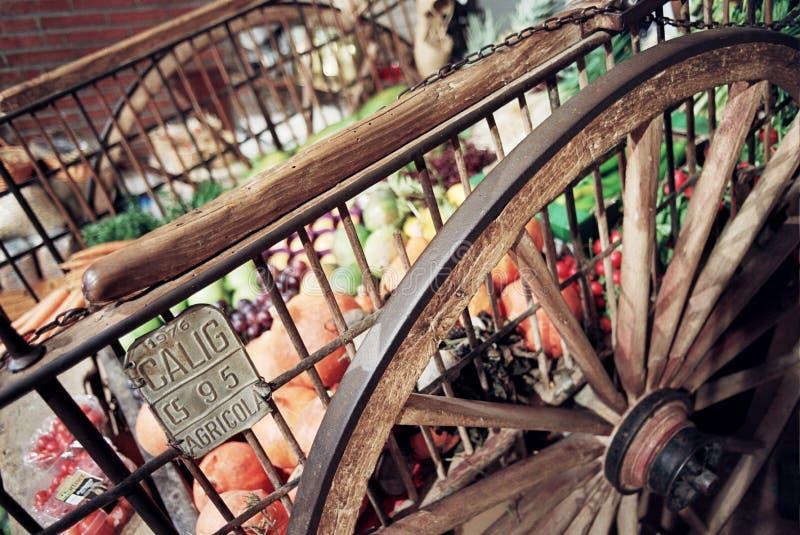 Chariot du marché photos libres de droits