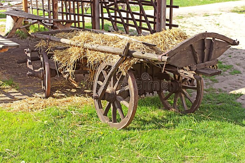 Chariot en bois de vintage photos stock