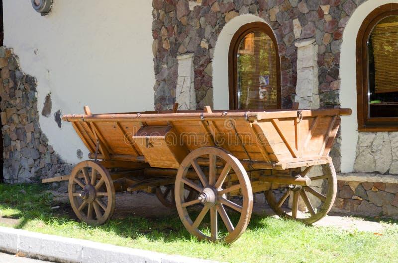 Chariot en bois rural image libre de droits