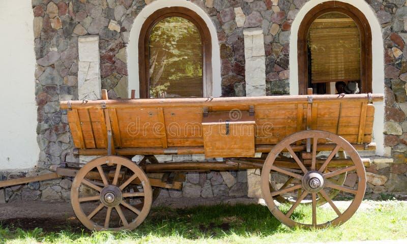 Chariot en bois rural photographie stock libre de droits