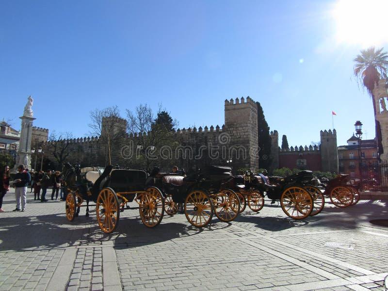 Chariots de cheval à Séville, Espagne photos stock