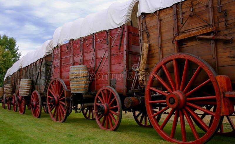 chariots de minerai image libre de droits