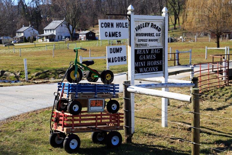 Chariots et tricycle à vendre photos stock
