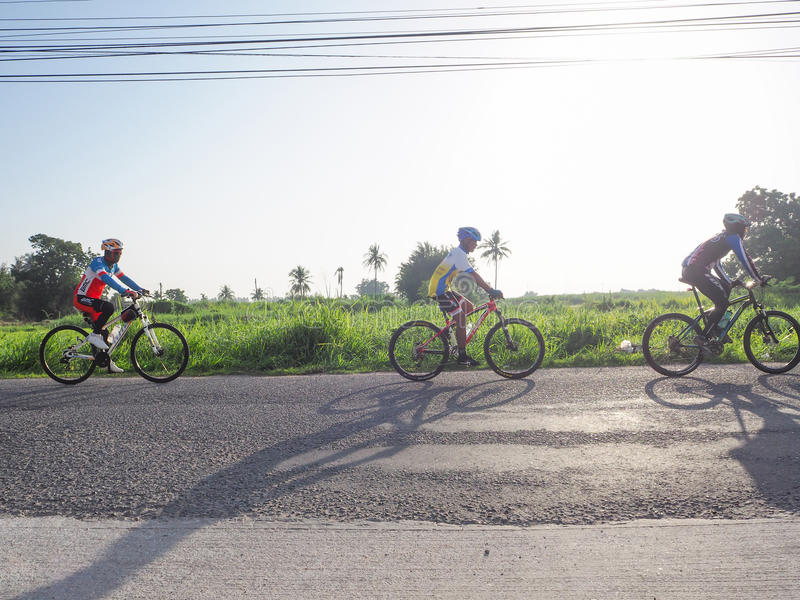 Download Charité de recyclage image éditorial. Image du thailand - 76076595