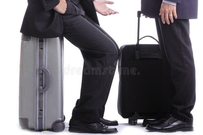 Charla del hombre de negocios de la mochila imagenes de archivo