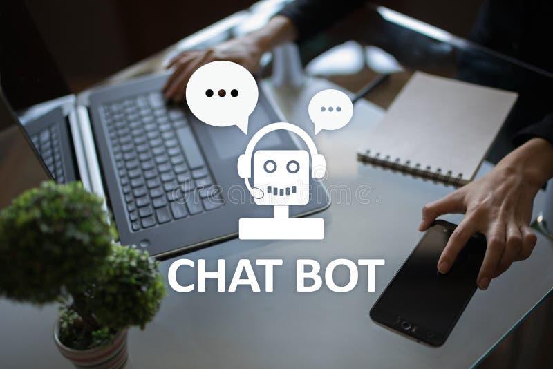 Charle el bot, el Ai, la inteligencia artificial y la tecnolog?a de la automatizaci?n en servicio y atenci?n Innovaci?n del negoc fotografía de archivo