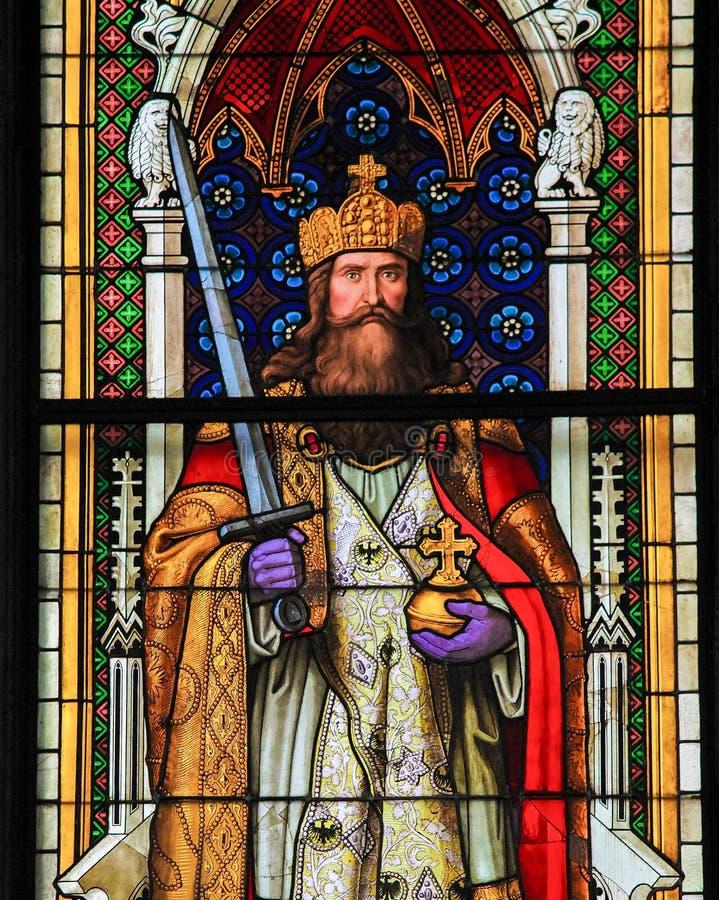 Charlemagne - vitral na catedral da água de Colônia imagens de stock royalty free