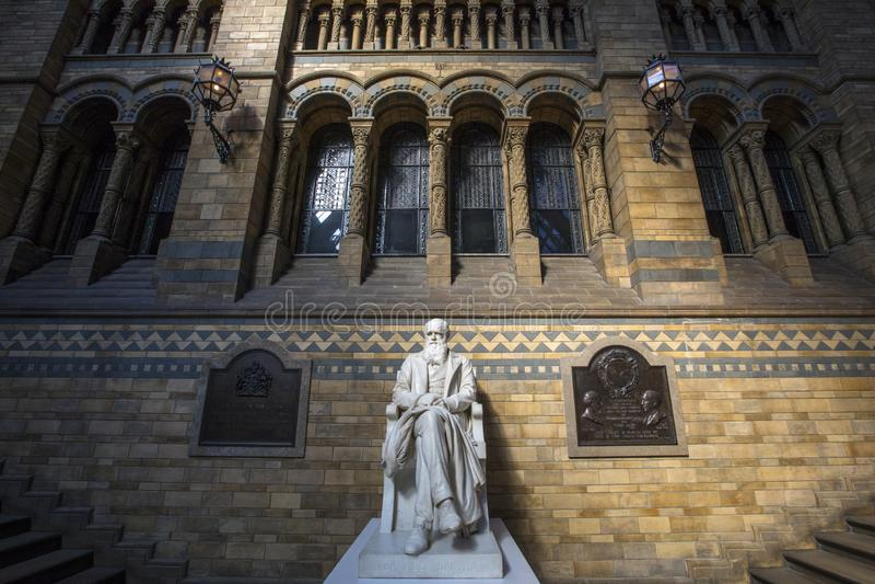 Charles Δαρβίνος στο μουσείο φυσικής ιστορίας στο Λονδίνο στοκ φωτογραφία με δικαίωμα ελεύθερης χρήσης