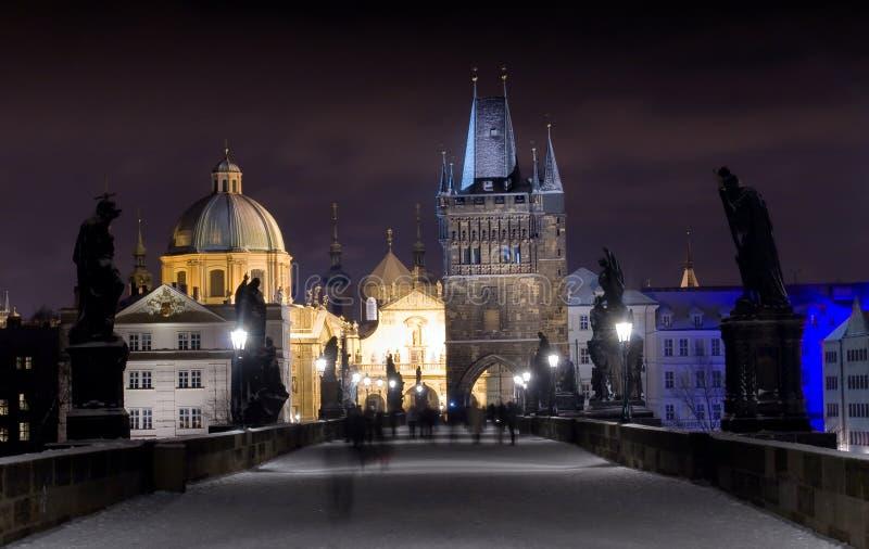 Charles-Brücke in der Winter-Nacht, Prag, Tschechische Republik stockfoto