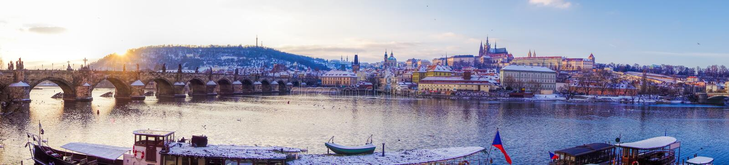 Charles-Brücke mit Prag-Schloss in Prag UNESCO, Tschechische Republik stockfotos