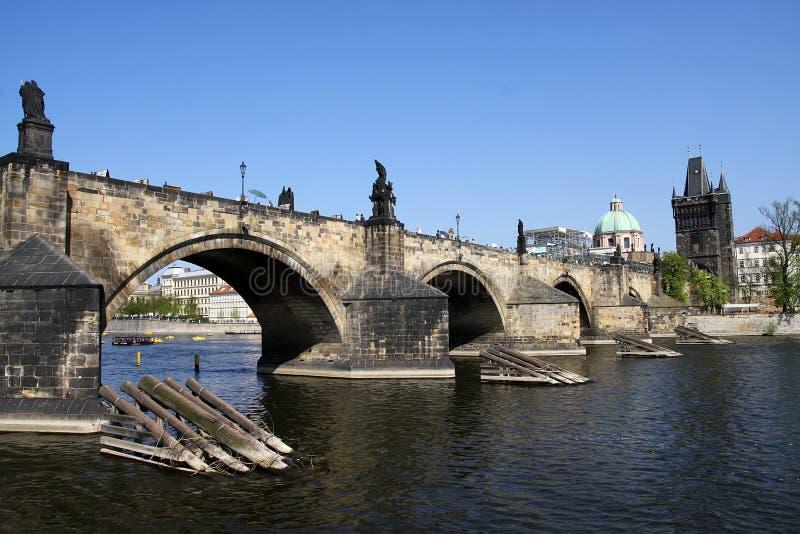 Download Charles-Brücke in Prag stockfoto. Bild von gebäude, brücke - 9091354