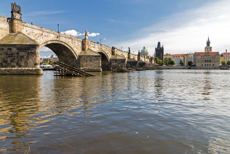 Charles Bridge famoso fotografía de archivo libre de regalías