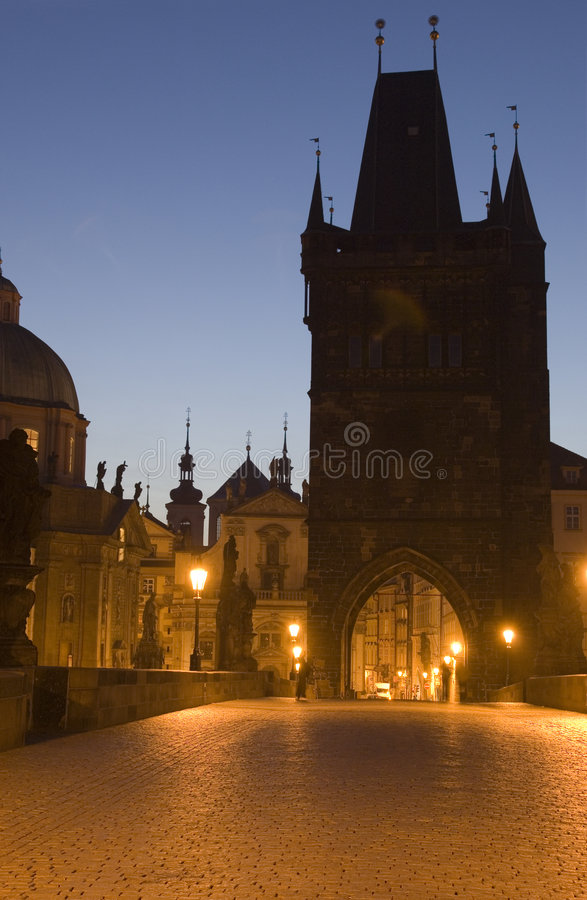 Charles bridge noc obrazy royalty free