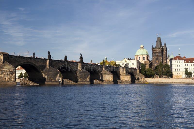 Charles Bridge in Praag stock foto