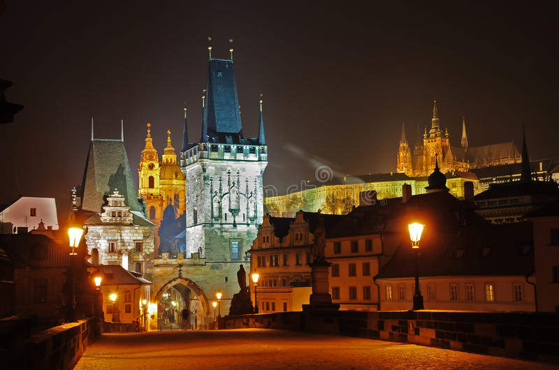 Charles Bridge in Praag, Tsjechische Republiek royalty-vrije stock foto's