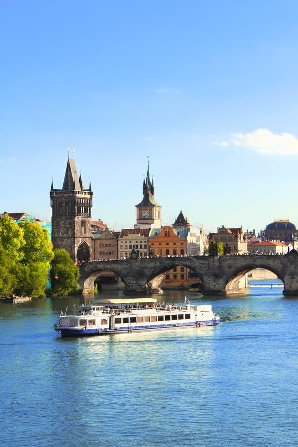 Charles bro i Prague royaltyfria bilder
