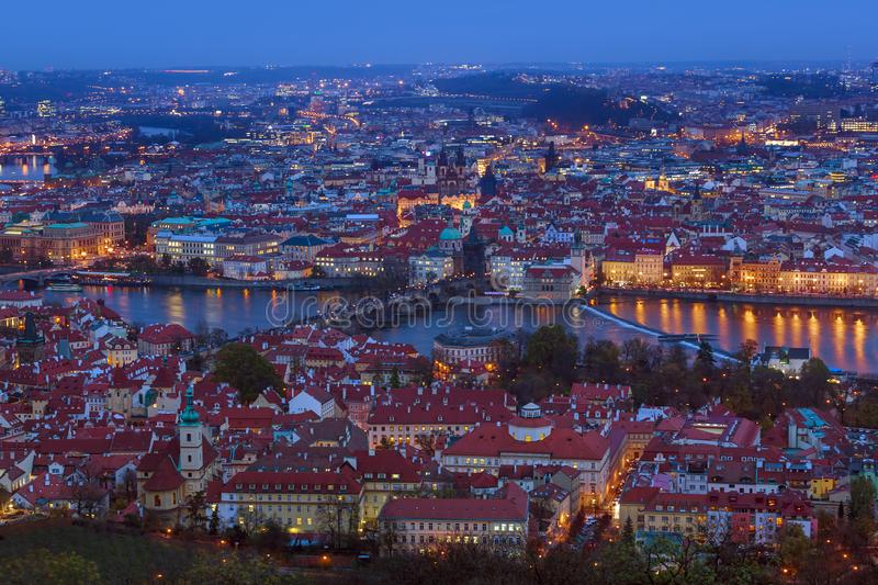 Charles-brug in Praag - Tsjechische Republiek royalty-vrije stock afbeelding