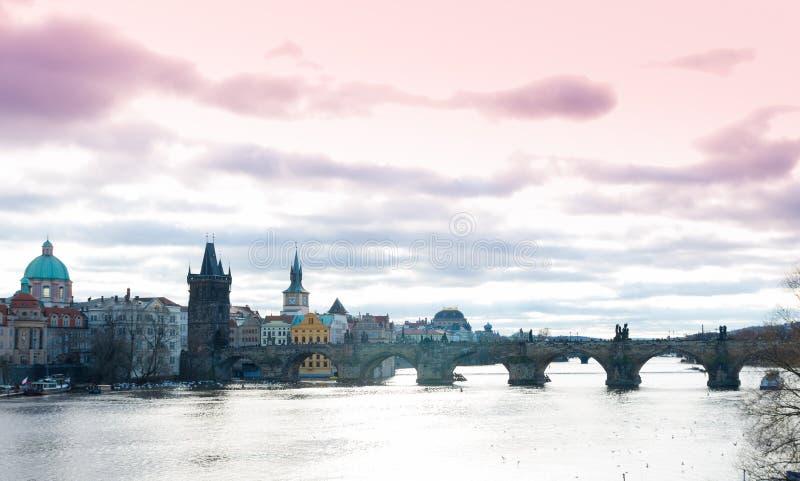 Download Charles most w Praga obraz stock. Obraz złożonej z scena - 57661563